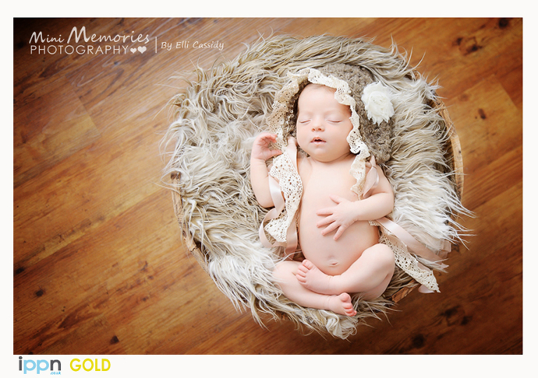 Gold award newborn photography uk